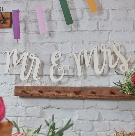 Mr And Mrs Wooden Bunting – Boho