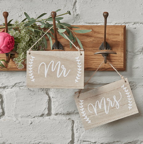 Mr And Mrs Wooden Chair / Hanging Signs – Boho