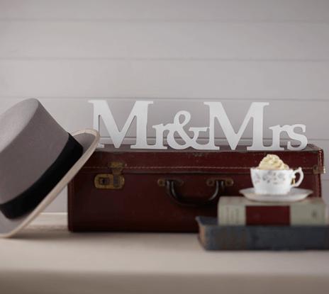 Mr & Mrs Freestanding Wooden Sign – Vintage Affair