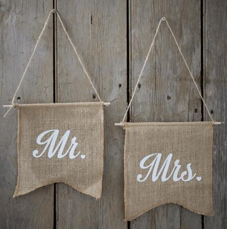 Mr & Mrs Hessian Flags – Vintage Affair